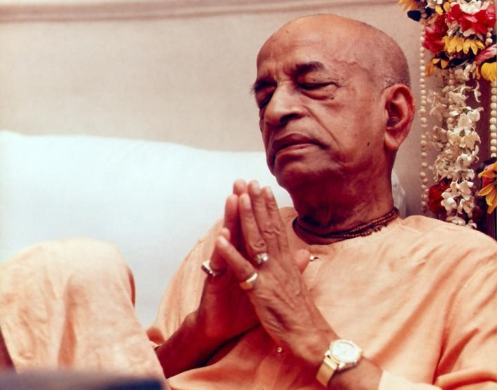 Prabhupada Offering Prayers to Krishna